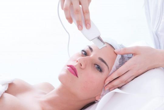 Scrub con applicatore a lama ad ultrasuoni