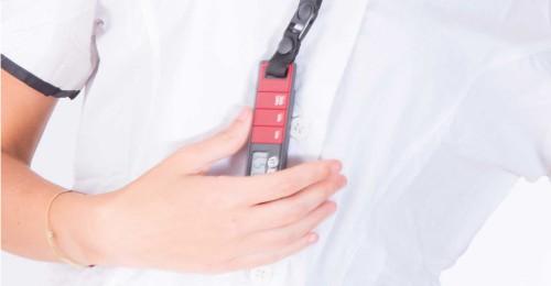 Laccetto da collo regolabile e display digitale